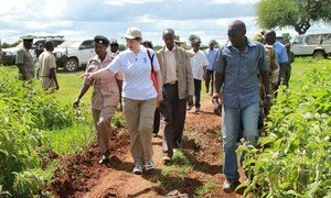 UNDP Administrator Helen Clark (pointing) on a visit to Kenya to highlight food security.