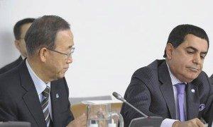 le Secrétaire général de l'ONU, Ban Ki-moon, avec le Président de l'Assemblée générale, Nassir Abdulaziz Al-Nasser. Photo ONU/Evan Schneider