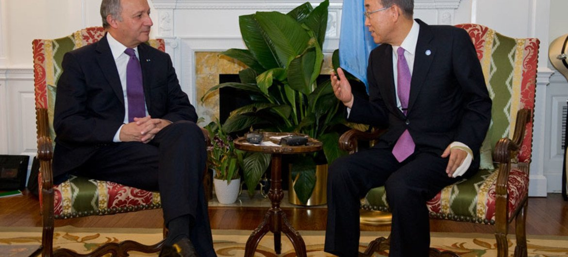 Secretary-General Ban Ki-moon and French Foreign Minister, Laurent Fabius, during their meeting in New York.