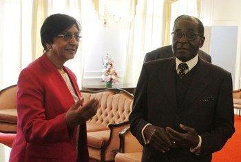 Navi Pillay a rencontré le Président du Zimbabwe Robert Mugabe.