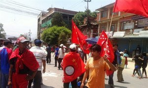 Des manifestants à Katmandou demandent l'adoption d'une nouvelle constitution.