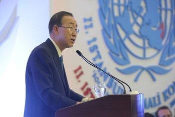 Secretary-General Ban Ki-moon addresses the II Istanbul Conference on Somalia.
