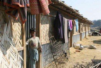 Un garçon originaire de Rahkine, un état situé dans le nord du Myanmar, dans un camp de réfugiés au Bangladesh.