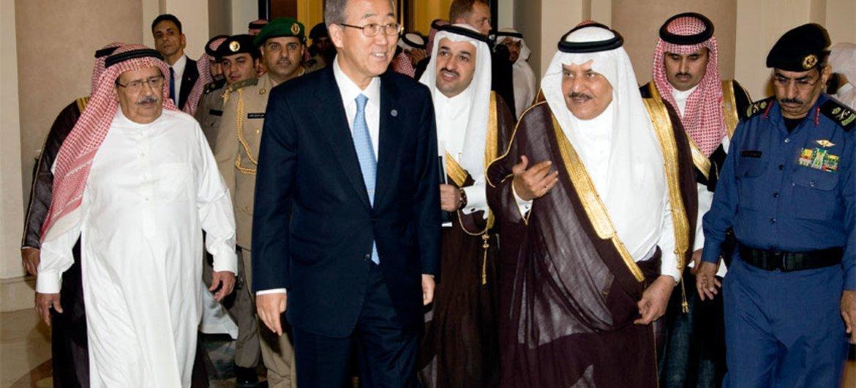 Secretary-General Ban Ki-moon and Crown Prince Nayef bin Abdulaziz al-Saud in June 2008.