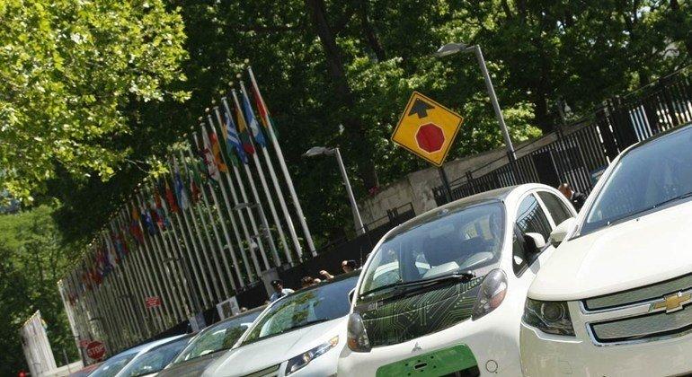 Transição global para a energia verde e a rápida descarbonização impulsionam demanda por veículos elétricos