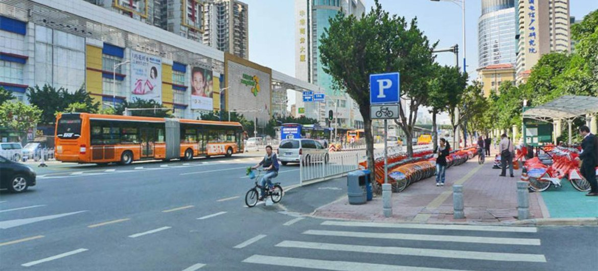 Guangzhou Zongshan BRT corridor with integrated walking and cycling, and compact, dense, mixed-use development.