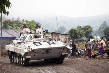 Des Casques bleus de la Mission des Nations Unies pour la stabilisation en RDC (MONUSCO) déployés dans la ville de Bunagana. ONU Photo/Sylvain Liechti.
