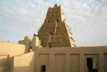 مسجد سانكوري في مدينة تمبكتو بشمال مالي.