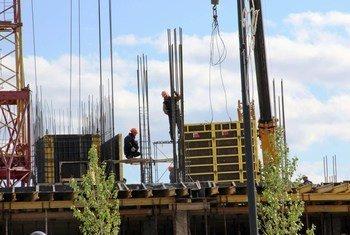 Trabajadores de la construcción. Foto: Banco Mundial/Shynar Jetpissova