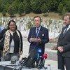 Le Secrétaire général souligne le besoin de retenir les leçons de Srebrenica lors d'une cérémonie en mémoire de 8.000 Musulmans massacrés par les forces bosniaques. ONU