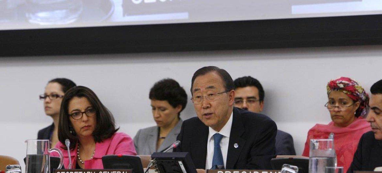 Secretary-General Ban Ki-moon briefs the General Assembly.