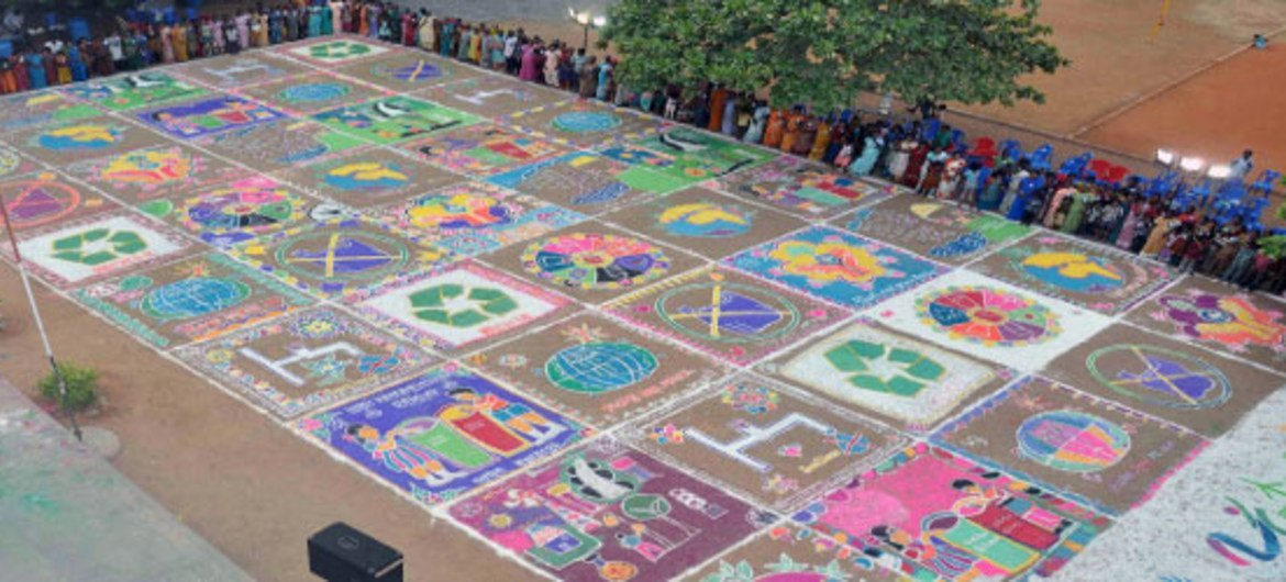 Indian organization Hand in Hand mobilized 570 volunteers to create a massive Rangoli carpet based on environmental themes.