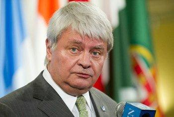 Le Secrétaire général adjoint aux opérations de maintien de la paix, Hervé Ladsous. ONU Photo/Mark Garten