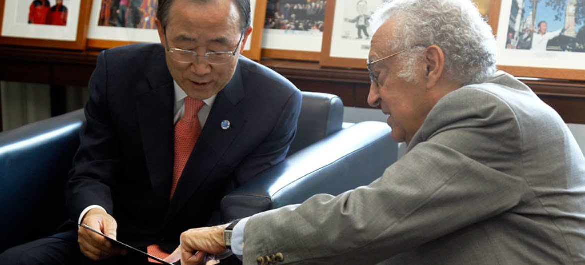 Secretary-General Ban Ki-moon with Joint Special Representative of the UN and  League of Arab States on the Syrian crisis.