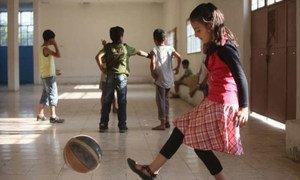 Le Haut Commissariat des Nations Unies pour les réfugiés et ses partenaires organisent des activités pour les enfants syriens qui se trouvent dans la vallée de la Bekaa. UNHCR/S.Malkawi