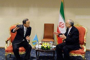 Secretary-General Ban Ki-moon with Iranian Foreign Minister Aliakbar Salehi.