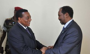 Special Representative Augustine Mahiga (left) with Somali President-elect Hassan Sheikh Mohamud during a courtesy visit.