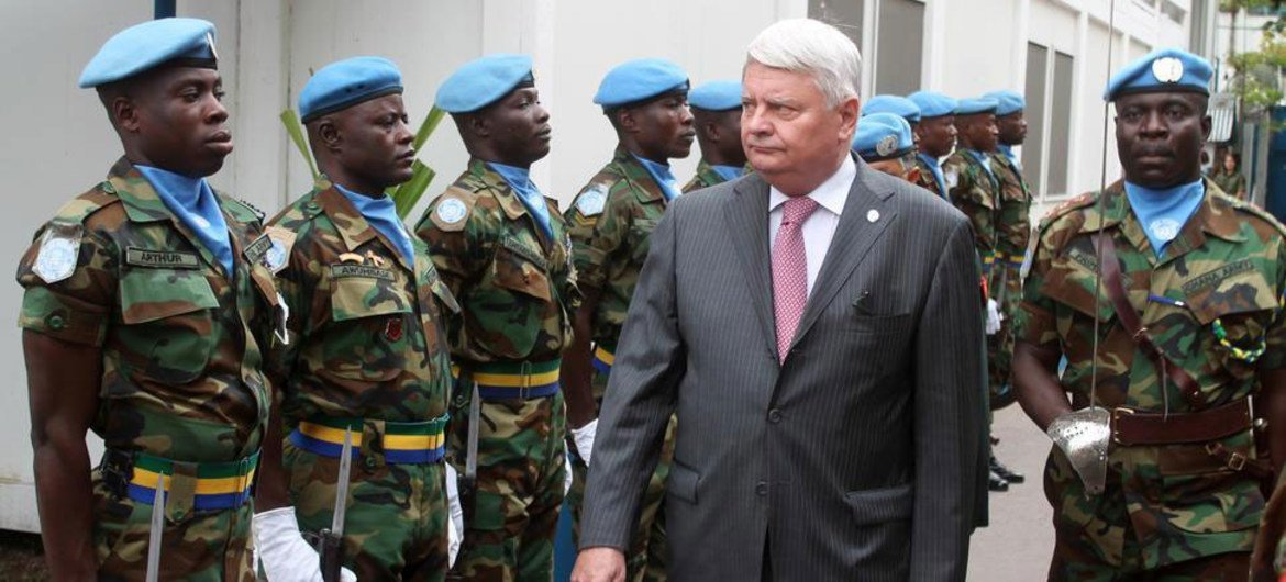 Peacekeeping chief Hervé Ladsous reviews an honour guard of the UN mission in the Democratic Republic of the Congo, MONUSCO.