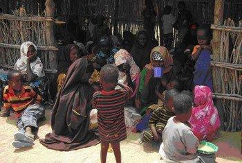 Internally displaced Somalis at a feeding centre in Dobley, Lower Juba region.