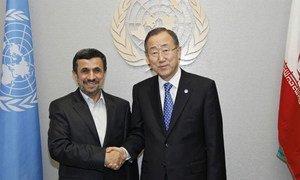Secretary-General Ban Ki-moon (right) meets with President Mahmoud Ahmadinejad of Iran.