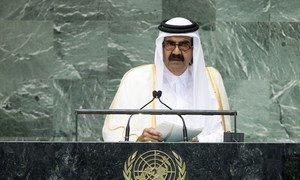 Emir of Qatar Sheikh Hamad bin Khalifa Al-Thani addresses the General Assembly.
