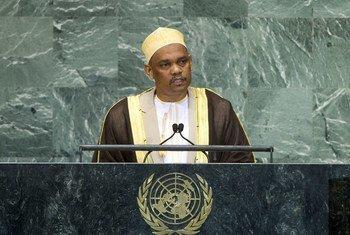 Le Président des Comores, Ikililou Dhoinine, à la tribune de l'Assemblée générale.