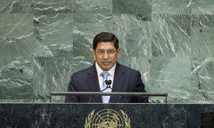 Deputy Prime Minister Narayan Kaji Shrestha of Nepal addresses General Assembly.