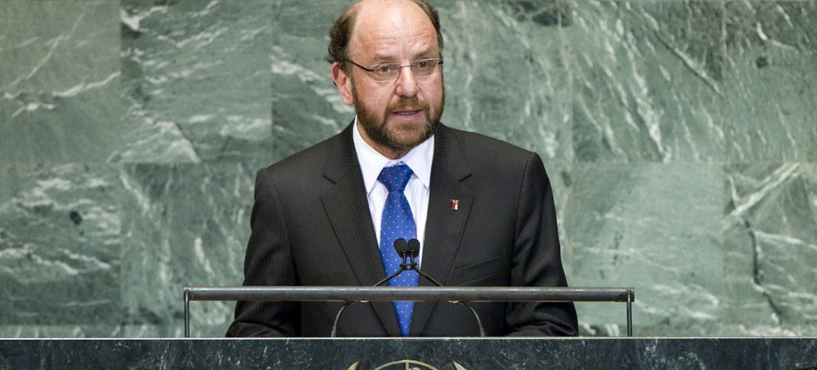 Foreign Minister Alfredo Moreno Charme of Chile addresses General Assembly.