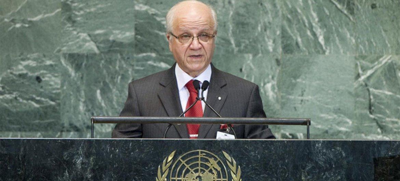 Le Ministre des affaires étrangères de l'Algérie, Mourad Medelci, à la tribune de l'Assemblée générale.