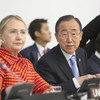 Secretary-General Ban Ki-moon (right) and US Secretary of State Hillary Clinton at conference marking 20th anniversary of the Forum of Small States.