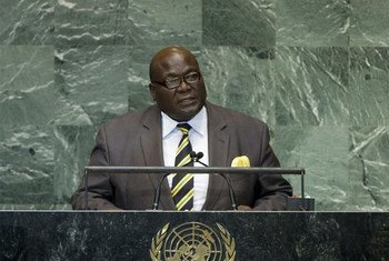 Le Ministre des affaires étrangères du Togo, Elliot Ohin, à la tribune de l'Assemblée générale.