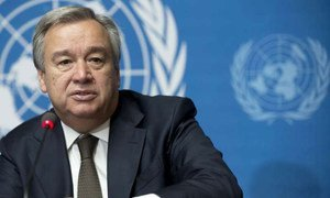High Commissioner for Refugees António Guterres briefs the press.