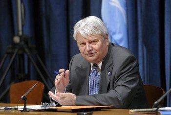 Le Secrétaire général adjoint aux opérations de maintien de la paix Hervé Ladsous. Photo ONU/Evan Schneider