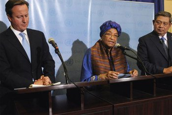 The three Co-Chairs of the Secretary-General's High-Level Panel on the Post-2015 Development Agenda jointly address journalists. From left: Prime Minister David Cameron of the United Kingdom, Ellen Johnson-Sirleaf, President of the Republic of Liberia, and Susilo Bambang Yudhoyono, President of Indonesia. UN/M. Castro (File Photo)