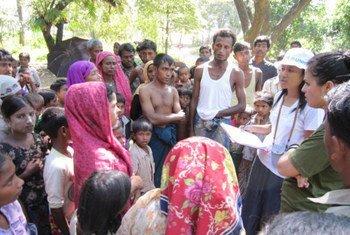 A group of internally displaced people in Myanmar's Rakhine state.