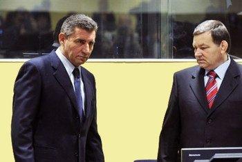 Les anciens généraux croates Ante Gotovina et Mladen Markac, acquittés le 16 novembre par le Tribunal pénal international pour l'ex-Yougoslavie (TPIY).
