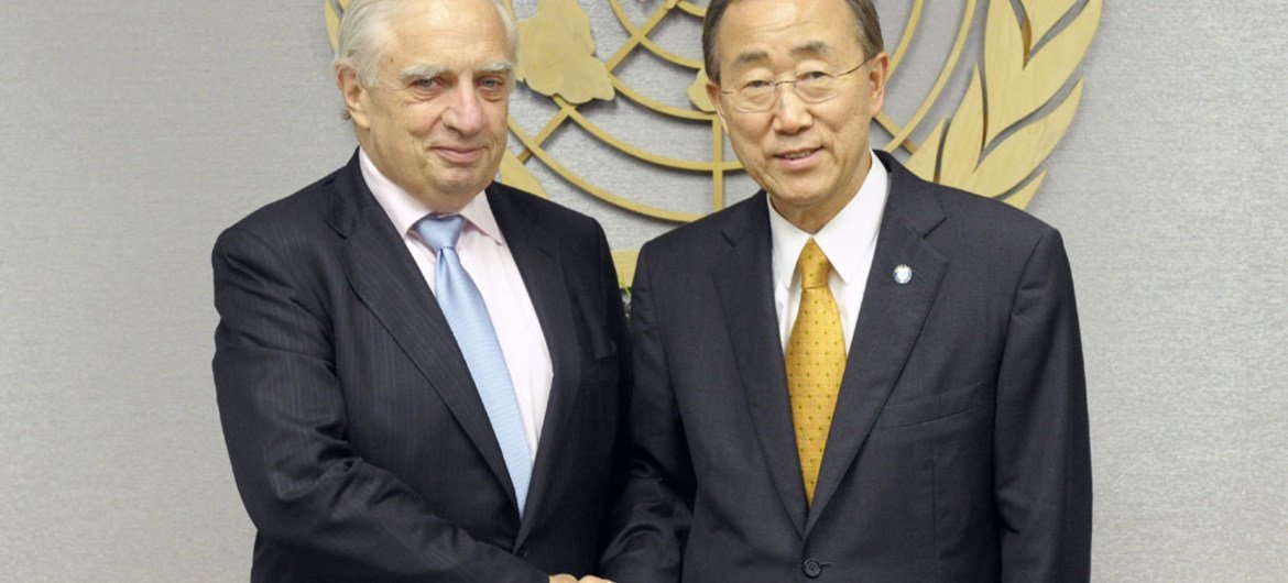 Special Representative for International Migration and Development Peter Sutherland (left) with Secretary-General Ban Ki-moon.