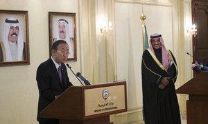Secretary-General Ban Ki-moon (left) briefs reporters in Kuwait City.