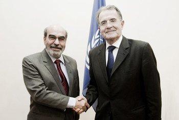 UN Special Envoy on the Sahel Romano Prodi (right) and FAO Director-General José Graziano da Silva at FAO headquarters, Rome.
