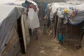 Campento de desplazados en Puerto Príncipe, Haití. Foto de archivo: MINUSTAH/Logan Abassi