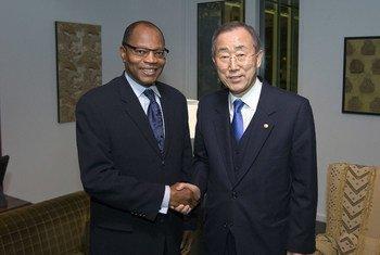 Mohamed Ibn Chambas (left) with Secretary-General Ban Ki-moon.