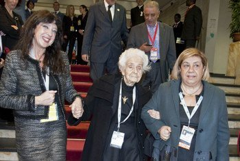 Goodwill Ambassador Rita Levi Montalcini (centre) arriving to attend the World Summit on Food Security in November 2009 at FAO Headquarters in Rome.