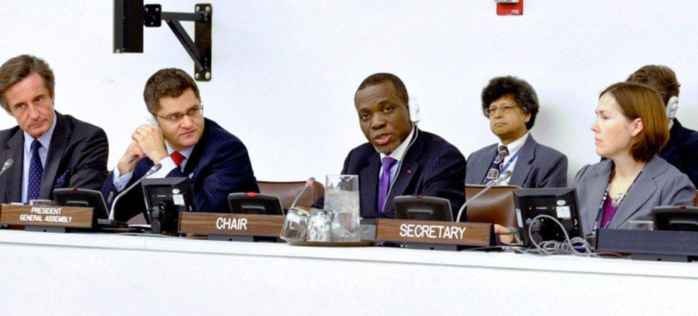 L'Ambassadeur Noel Nelson Messone, du Gabon, Président de la Quatrième Commission de l'Assemblée générale. Photo ONU/Evan Schneider