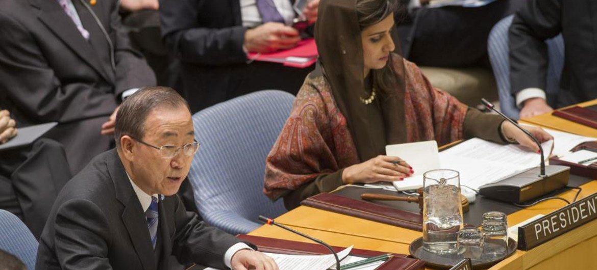 Secretary-General Ban Ki-moon (left) addresses Security Council meeting chaired by Foreign Minister Hina Rabbani Khar of Pakistan.