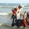Migrantes llegando a las costas de Yemen. Foto: SHS-ACNUR