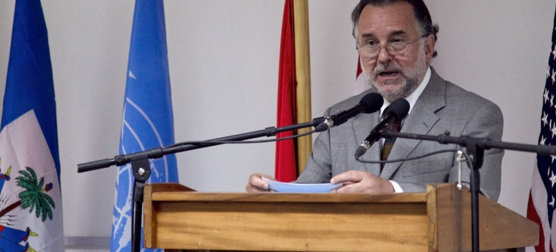 Special Representative Mariano Fernandez Amunátegui.