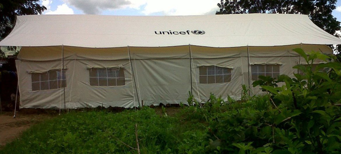 UNICEF has responded to flooding in Malawi by erecting temporary shelters like this one in Phalombe district.