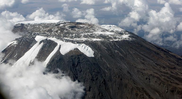 Вершина горы Килиманджаро