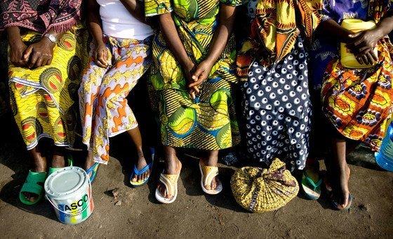 Каждая пятая женщина из числа внутренних переселенцев и беженцев подвергается сексуальному и гендерному насилию.