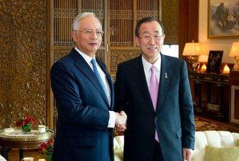 Secretary-General Ban Ki-moon meet with Prime Minister Dato' Sri Mohd Najib bin Tun Haji Abdul Razak, while on a visit to Malaysia in March 2012.